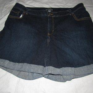 LANE BRYANT Dark Wash Cuffed Shorts Plus Size 22